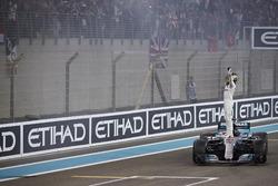 Second place Lewis Hamilton, Mercedes AMG F1, celebrates