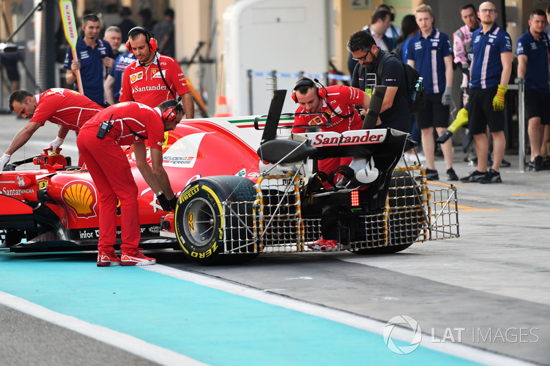 Kimi Raikkonen, Ferrari SF70H, aero sensors on rear wing