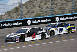 Kevin Harvick, Stewart-Haas Racing, Ford Fusion Jimmy John's, Chase Elliott, Hendrick Motorsports, Chevrolet Camaro NAPA Auto Parts