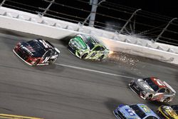 Kyle Busch, Joe Gibbs Racing, Toyota Camry Interstate Batteries wreck