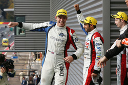 Yarış galibi James Allen, Gustavo Yacaman, Richard Bradley, Graff Racing