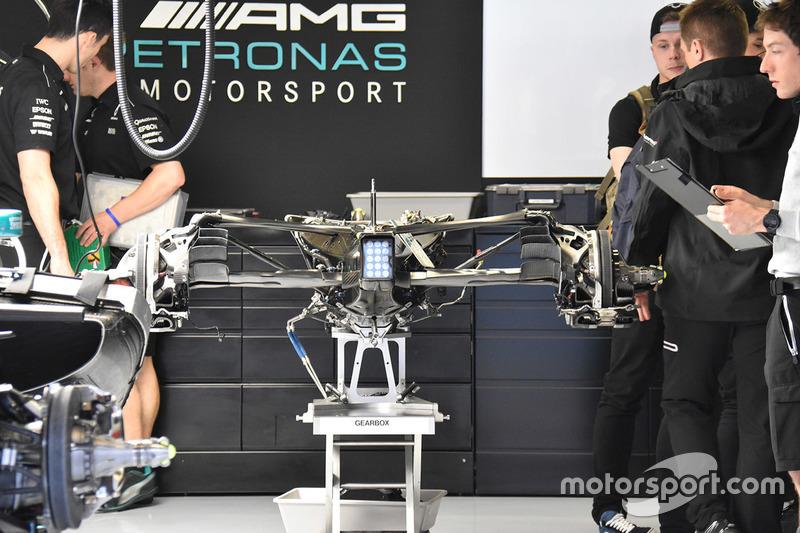 Mercedes AMG F1 W08, caja de cambios