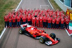 Кімі Райкконен, Себастьян Феттель, Серджіо Маркіонне, Scuderia Ferrari Team, та новий болід Ferrari