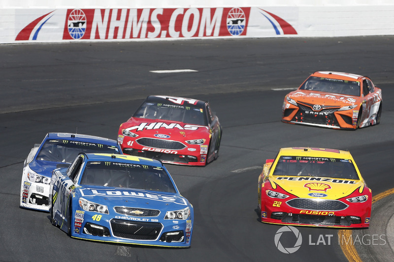 Jimmie Johnson, Hendrick Motorsports Chevrolet Joey Logano, Team Penske Ford