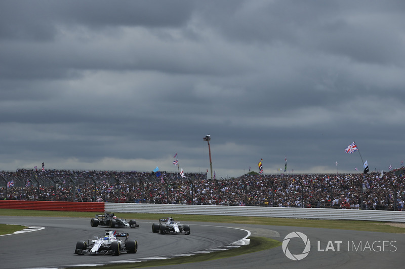 Felipe Massa, Williams FW40, Lance Stroll, Williams FW40, Kevin Magnussen, Haas F1 Team VF-17