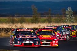 Shane van Gisbergen, Triple Eight Race Engineering Holden, Scott McLaughlin, Team Penske Ford, Dick Johnson