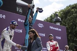 Sébastien Buemi, Renault e.Dams, celebrates on the podium with Jose Maria Lopez, DS Virgin Racing