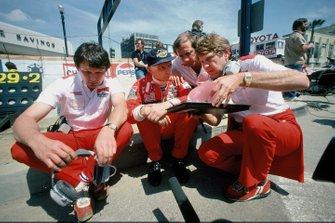 Niki Lauda, McLaren Ford, Ron Dennis, Tyler Alexander, John Barnard
