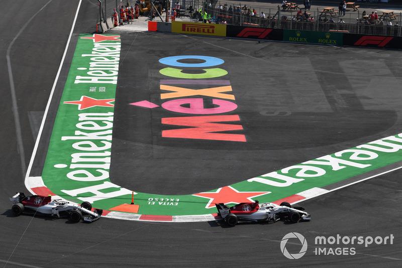 Marcus Ericsson, Sauber C37 e Charles Leclerc, Sauber C37