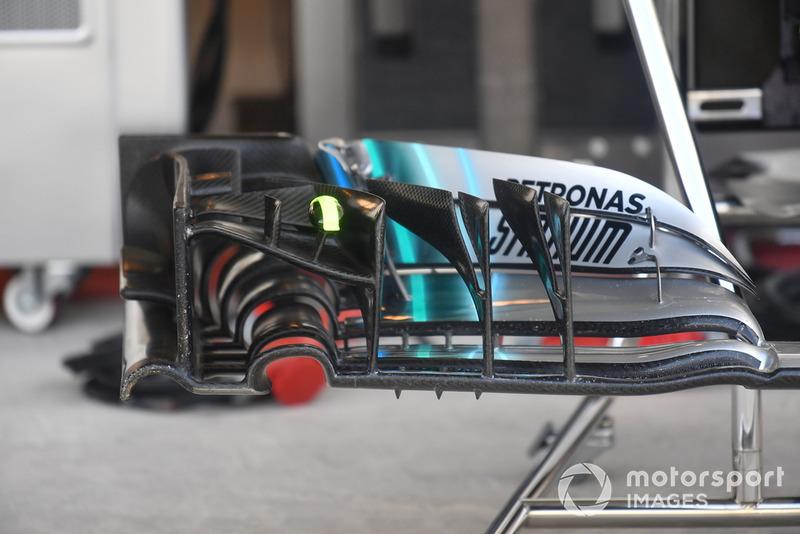 Mercedes-AMG F1 W09, első szárny, részlet
