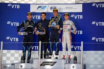 Podio: il vincitore della gara Alexander Albon, DAMS, il secondo classificato Nicholas Latifi, DAMS, il terzo classificato Nyck De Vries, PREMA Racing