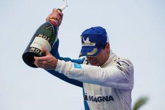 Antonio Felix da Costa, BMW I Andretti Motorsports, 3° classificato, festeggia