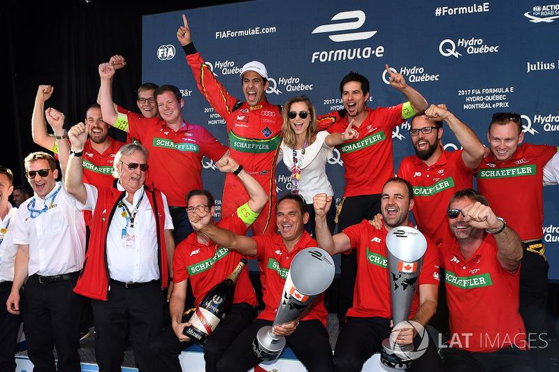 El Abt Audi team celebrar después de la carrera
