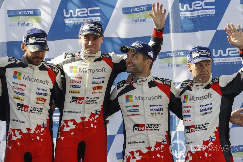 Podio: ganadores Esapekka Lappi, Janne Ferm, Toyota Racing, tercer lugar Juho Hänninen, Kaj Lindströ