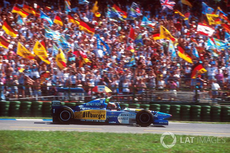 1995: Benetton - Campeão, 9 vitórias, 102 pontos, 17 GPs
