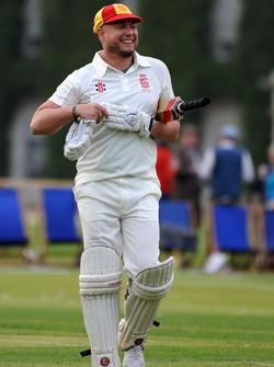 Cricket Match Rob Huff