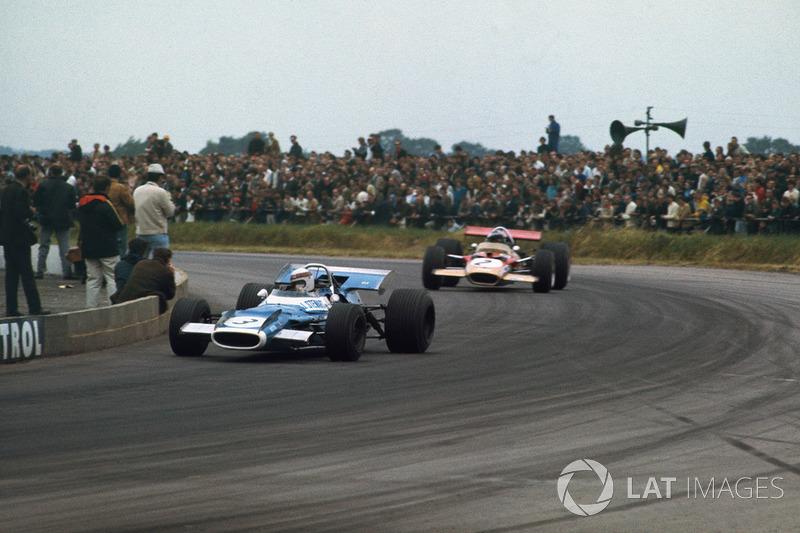 1969: Jackie Stewart, Matra MS80 Ford, con Jochen Rindt, Lotus 49B Ford