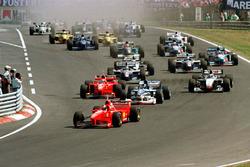 Départ : Michael Schumacher devant Damon Hill
