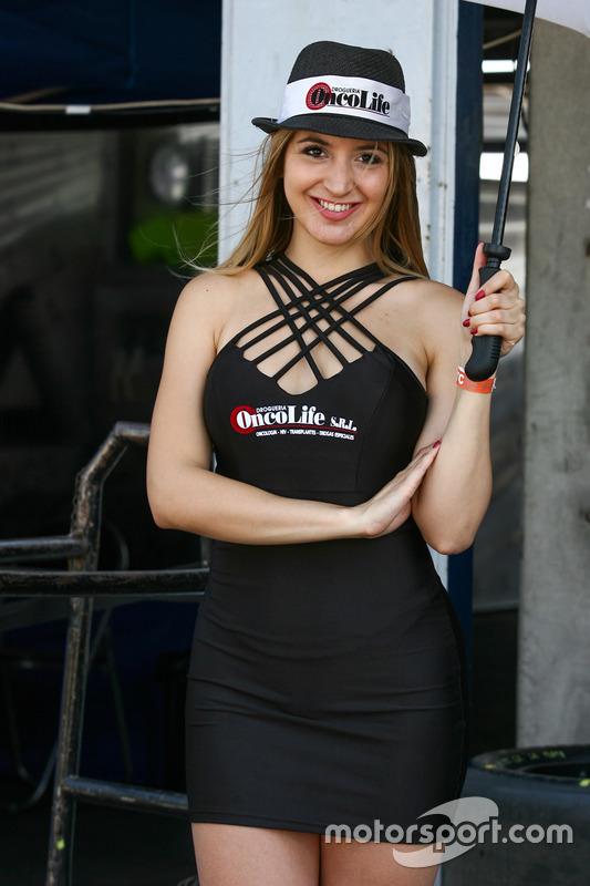 Chica de la parrilla Argentina Oncolife