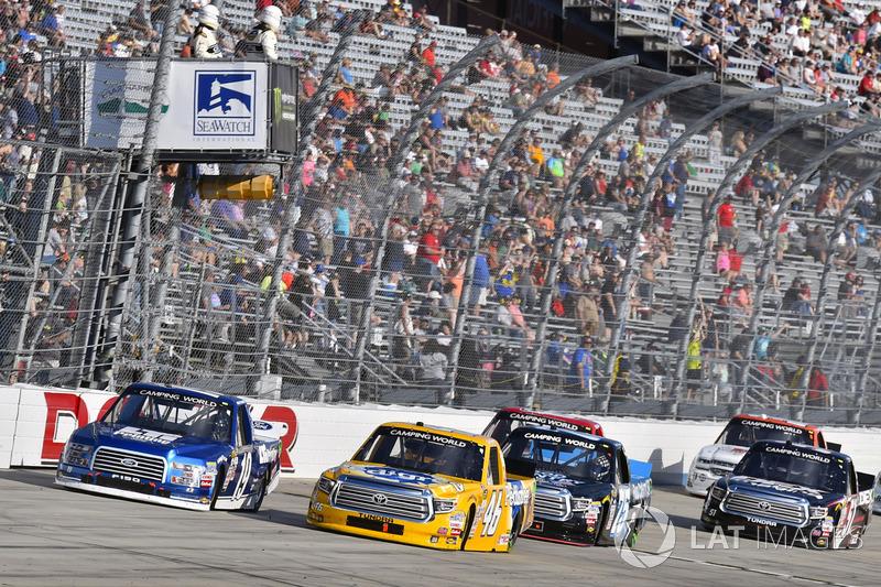 Austin Cindric; Brad Keselowski Racing, Ford; Todd Gilliland, Kyle Busch Motorsports, Toyota