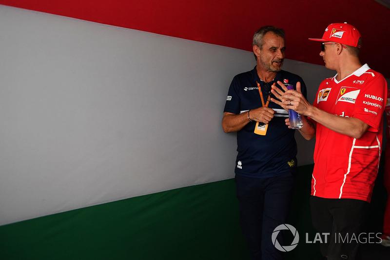 Kimi Raikkonen, Ferrari, mit Beat Zehnder, Sauber-Teammanager