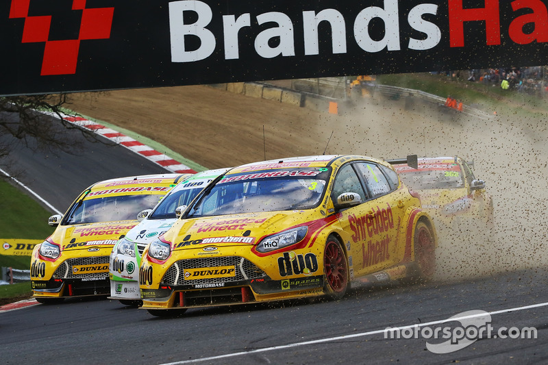 Mat Jackson, Team Shredded Wheat Racing with Duo Ford Focus