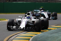 Felipe Massa, Williams FW40; Valtteri Bottas, Mercedes AMG F1 W08