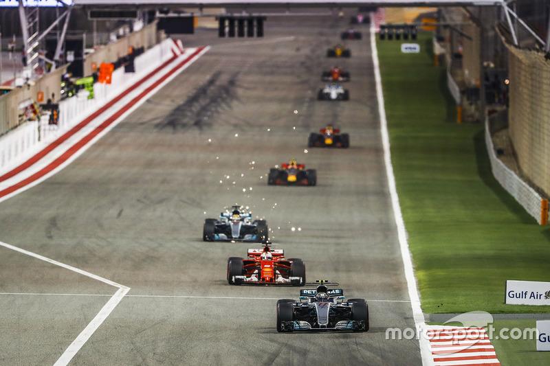 Valtteri Bottas, Mercedes F1 W08, Sebastian Vettel, Ferrari SF70H, Lewis Hamilton, Mercedes F1 W08, Max Verstappen, Red Bull Racing RB13