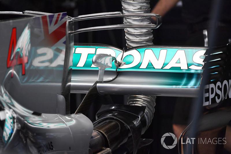Mercedes-Benz F1 W08 achtervleugel