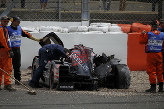Разбитый автомобиль Rebellion R13 (№1) Бруно Сенны, Андре Лоттерера и Нила Джани, Rebellion Racing