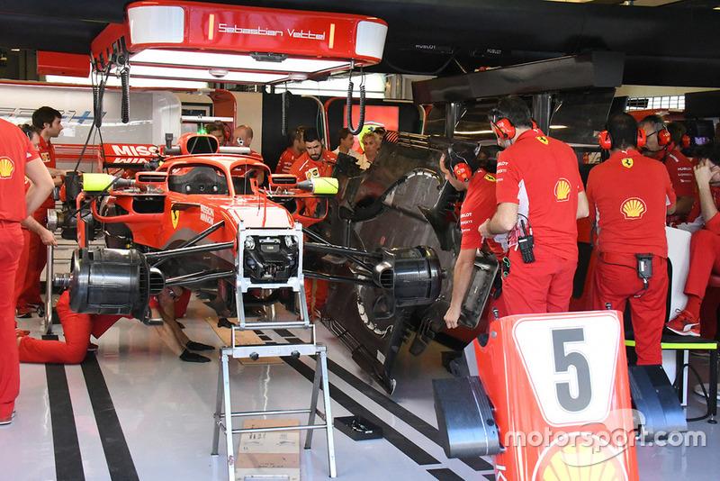 Suasana garasi Ferrari