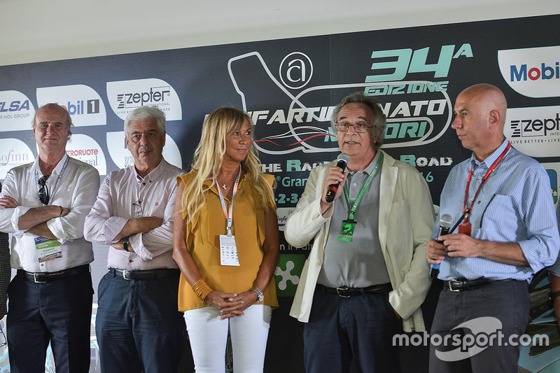 Claudia Peroni, Franco Nugnes ePaolo Ciccarone