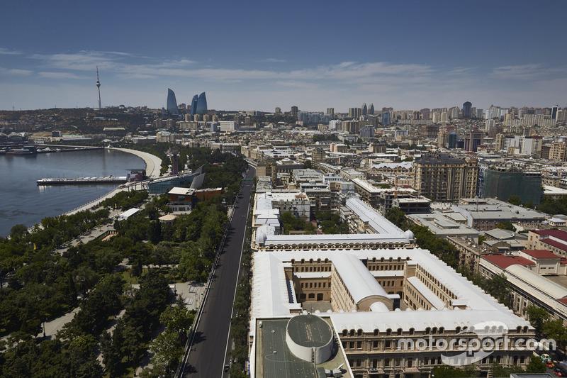 Ambiente del circuito de la ciudad de Bakú