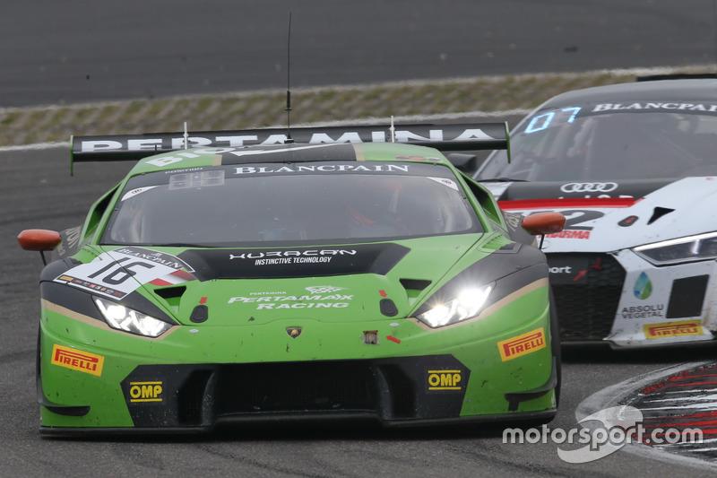 #16 GRT Grasser Racing Team, Lamborghini Huracan GT3: Rolf Ineichen, Christian Engelhart, Mirko Bortolotti