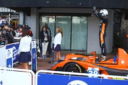 Победа Gibson 015S-Nissan команды G-Drive Racing: Саймон Долан, Гидо ван дер Гарде, Гарри Тинкнелл