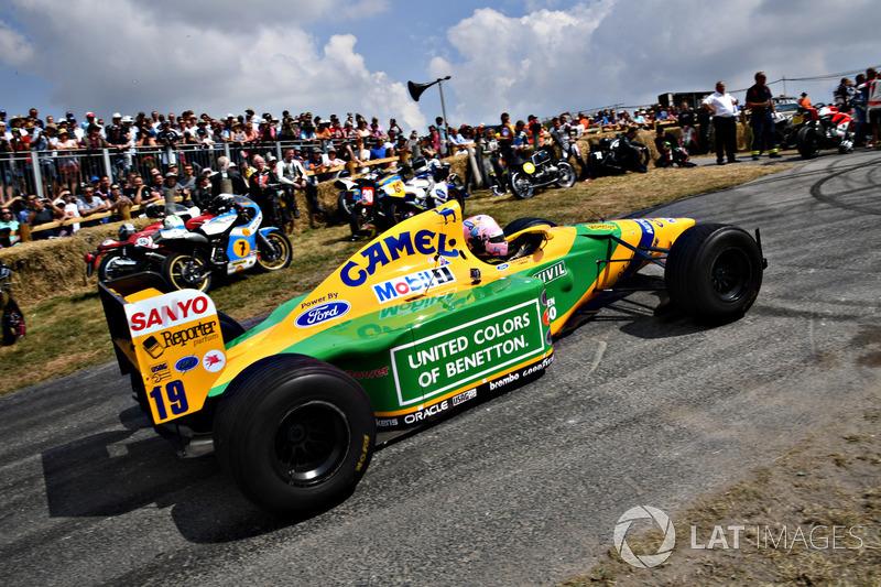 Lorina McLoughlin, Benetton B192 (57,61 detik)