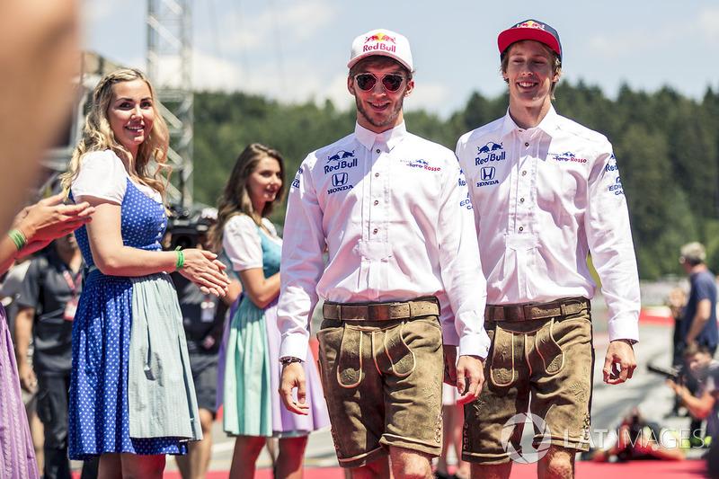 Pierre Gasly, Scuderia Toro Rosso and Brendon Hartley, Scuderia Toro Rosso on the drivers parade