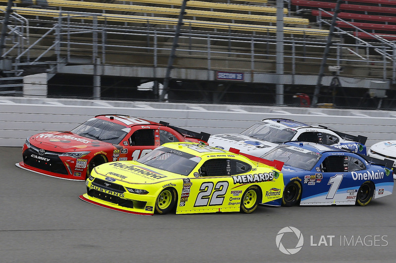 Paul Menard, Team Penske, Ford Mustang Menards/Richmond and Kyle Busch, Joe Gibbs Racing, Toyota Camry Maltesers