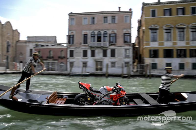 Мотоцикл Хорхе Лоренсо Ducati Team, у Венеції