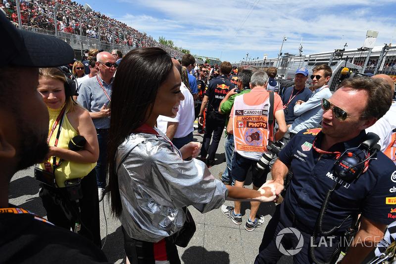 Winne Harlow, and Christian Horner, Red Bull Racing Team Principal on the grid