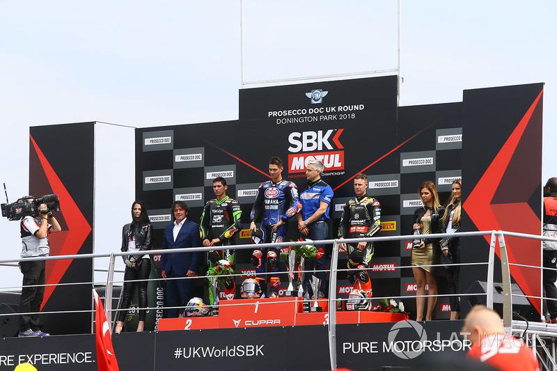 Podium: race winner Michael van der Mark, Pata Yamaha, second place Toprak Razgatlioglu, Kawasaki Puccetti Racing, third place Jonathan Rea, Kawasaki Racing