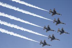 Les U.S.A.F. Thunderbirds