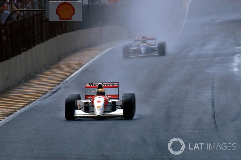 Ayrton Senna, McLaren MP4/8, en tête devant Damon Hill, Williams FW15C