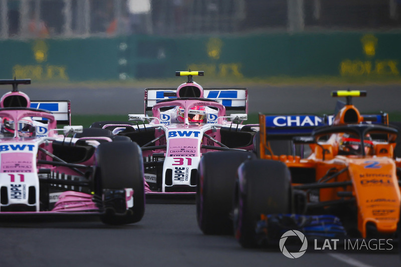 Stoffel Vandoorne, McLaren MCL33 Renault, Sergio Perez, Force India VJM11 Mercedes, Esteban Ocon, Force India VJM11 Mercedes, startta