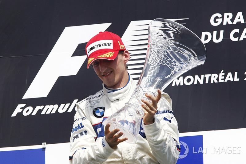 Robert Kubica ganó el GP de Canadá de 2008 aprovechándose del accidente entre los líderes Lewis Hamilton y Kimi Raikkonen en la entrada de los boxes cuando la luz de los boxes aún estaba roja tras la entrada del Safety Car,