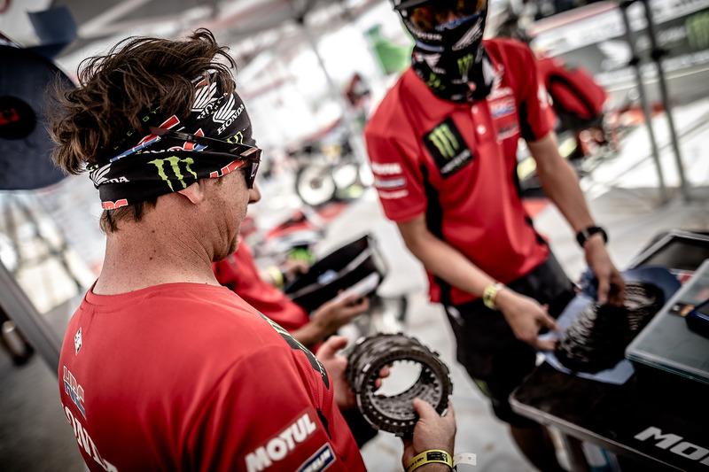 Monster Energy Honda Team mechanic