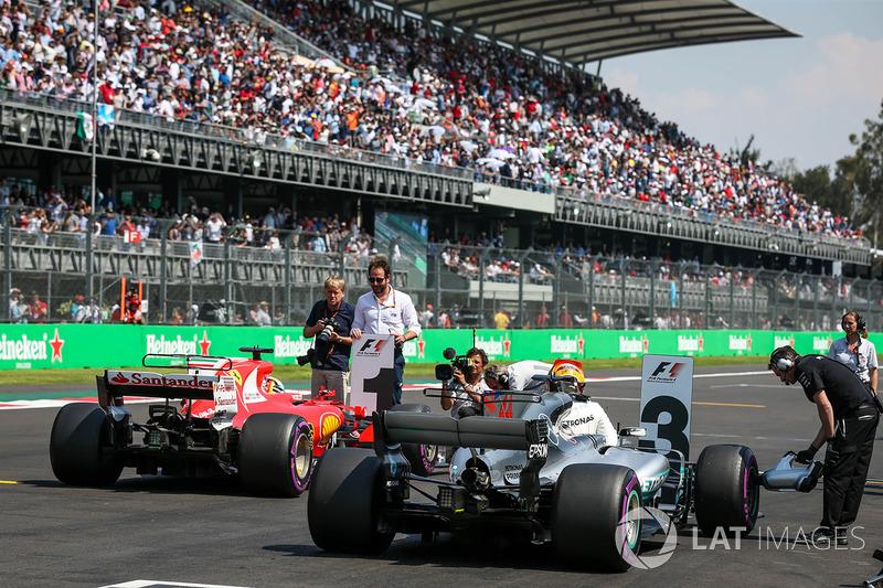 Lewis Hamilton, Mercedes-Benz F1 W08  en parc ferme