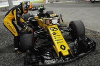 Сход: Карлос Сайнс-мл., Renault Sport F1 Team RS17