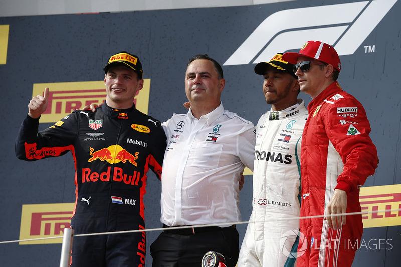 Max Verstappen, Red Bull Racing, Ron Meadows, Team Manager Mercedes AMG F1, Lewis Hamilton, Mercedes-AMG F1 e Kimi Raikkonen, Ferrari, festeggiano sul podio