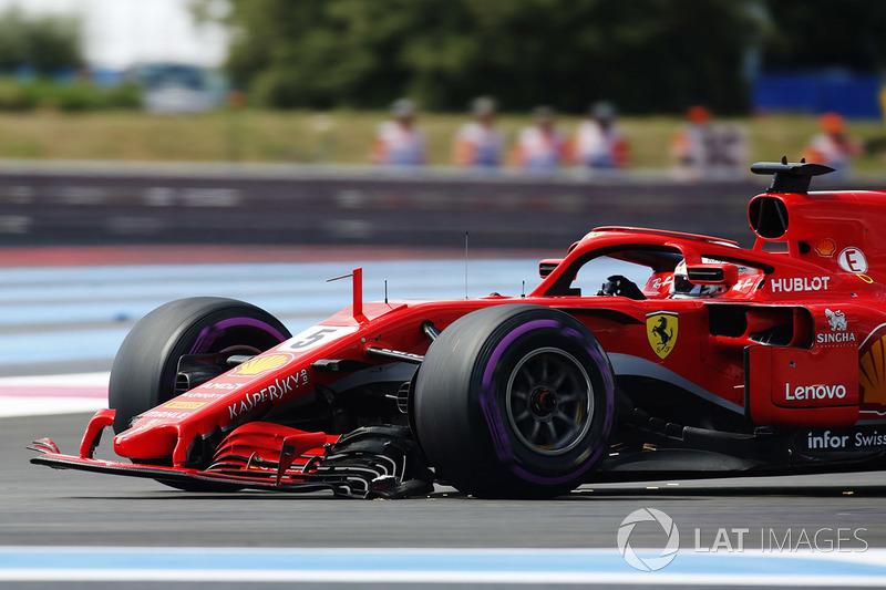 Sebastian Vettel, Ferrari SF71H con el alerón tocado